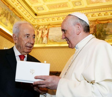 Shimon Peres and the Pope will pray together in Jerusalem. Two men who do not represent God of Israel.